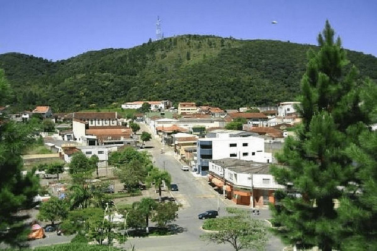 Escola VERA LUCIA COSMO LUCENA PROFESSORA - em CONCEICAO DO HERVAL, APIAI, SP