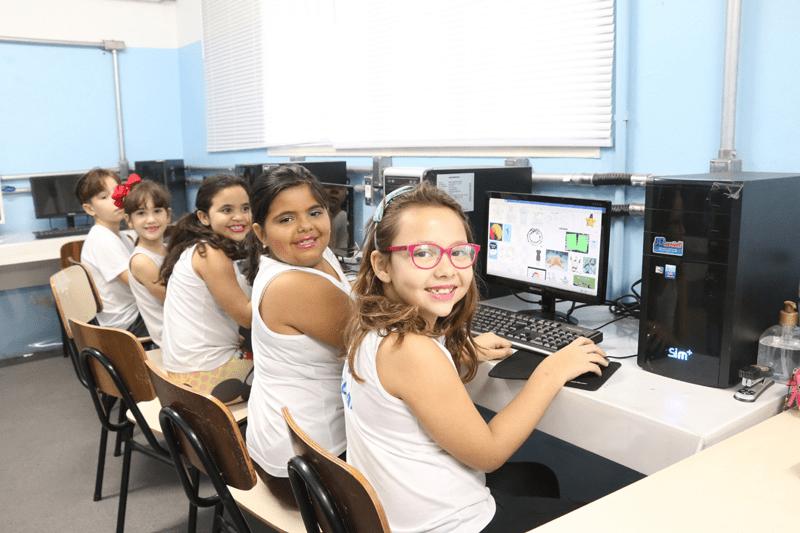 Escola EDUCAR COLEGIO - em VILA MARCONDES, PRESIDENTE PRUDENTE, SP