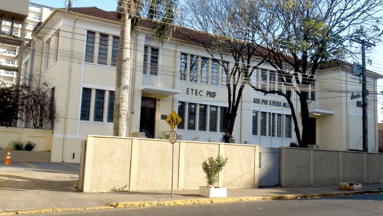 Escola ADOLPHO DE ARRUDA MELLO PROF ETEC - em VILA DUBUS, PRESIDENTE PRUDENTE, SP