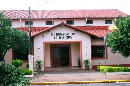 Escola CACILDA CALDAS CRUZ DONA - em CENTRO, IBITINGA, SP