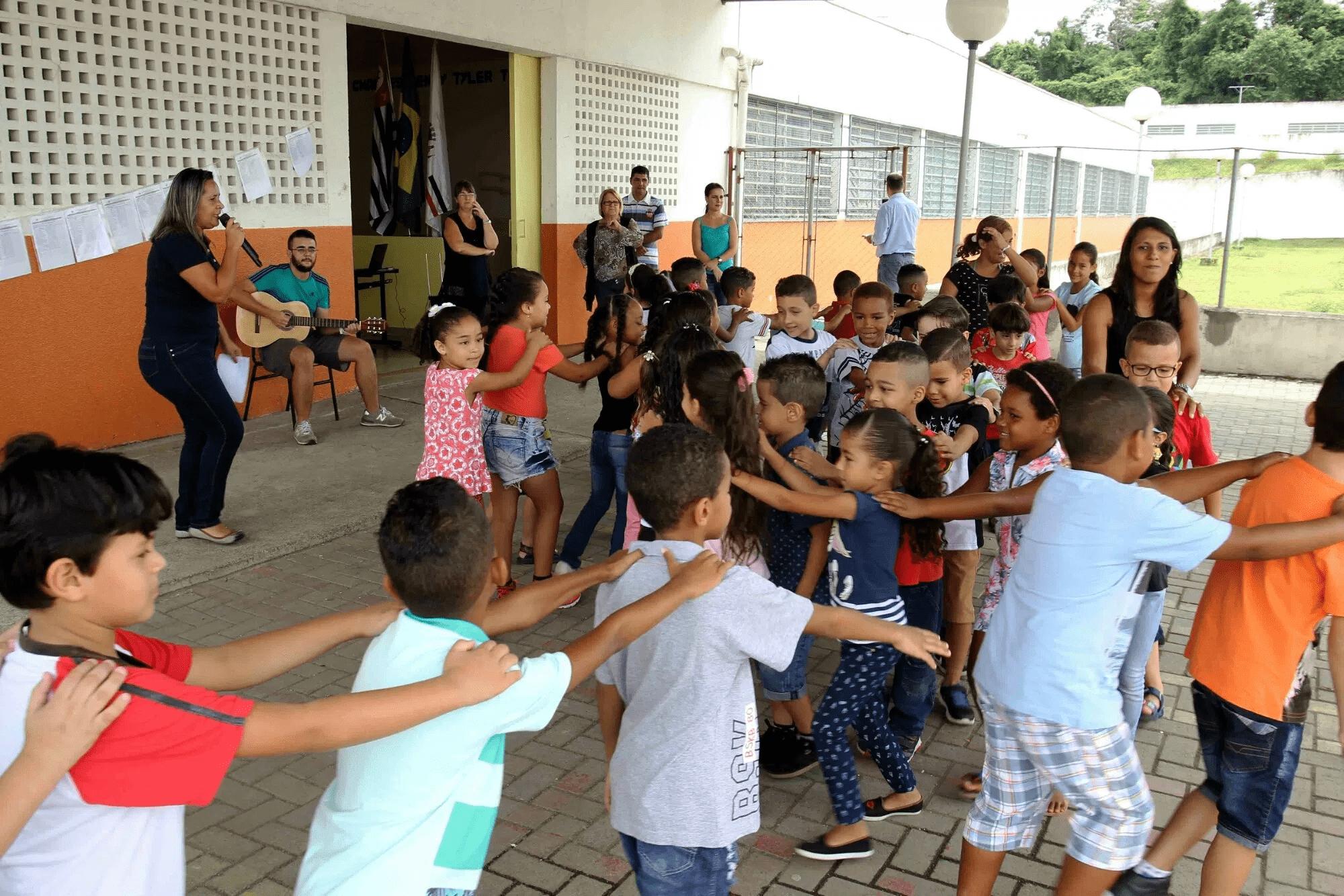 Escola CICERO ANTONIO DE SA RAMALHO EM - em VILA MONTE BELO, ITAQUAQUECETUBA, SP